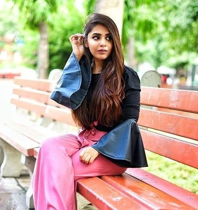 Anshita Juneja Blogger