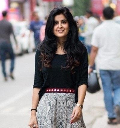 Manvi Gandotra fashion blogger