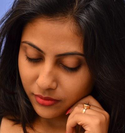 Sayantini blogger